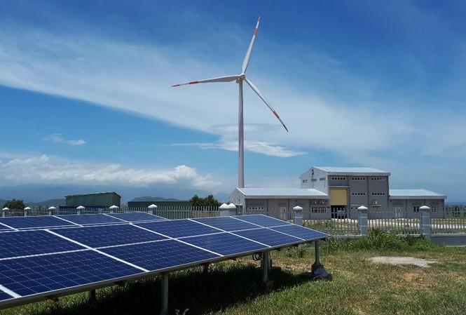 Hàng loạt dự án điện mặt trời rơi vào tay người nước ngoài