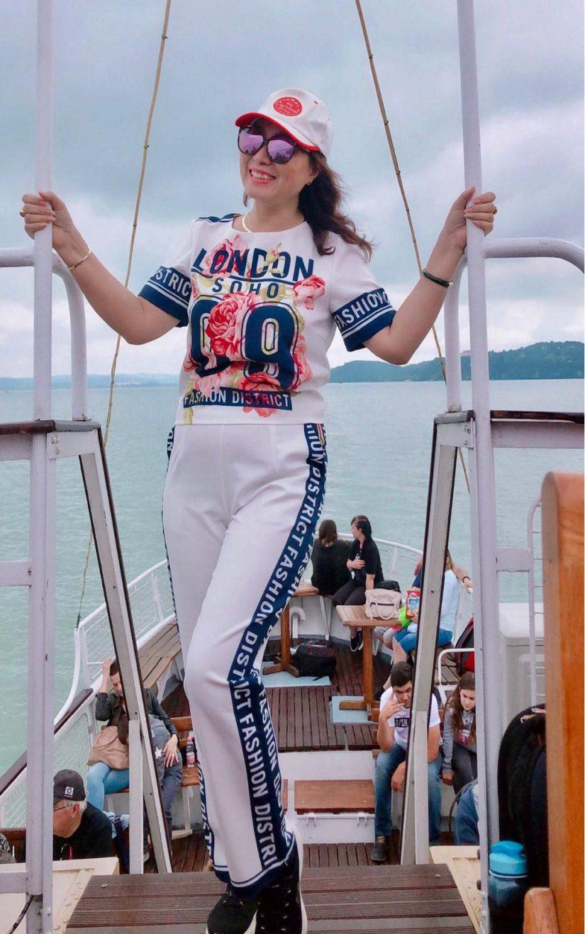 Bất ngờ với bí quyết trẻ trung, thần thái của nữ doanh nhân U60 Làn Thu Thủy