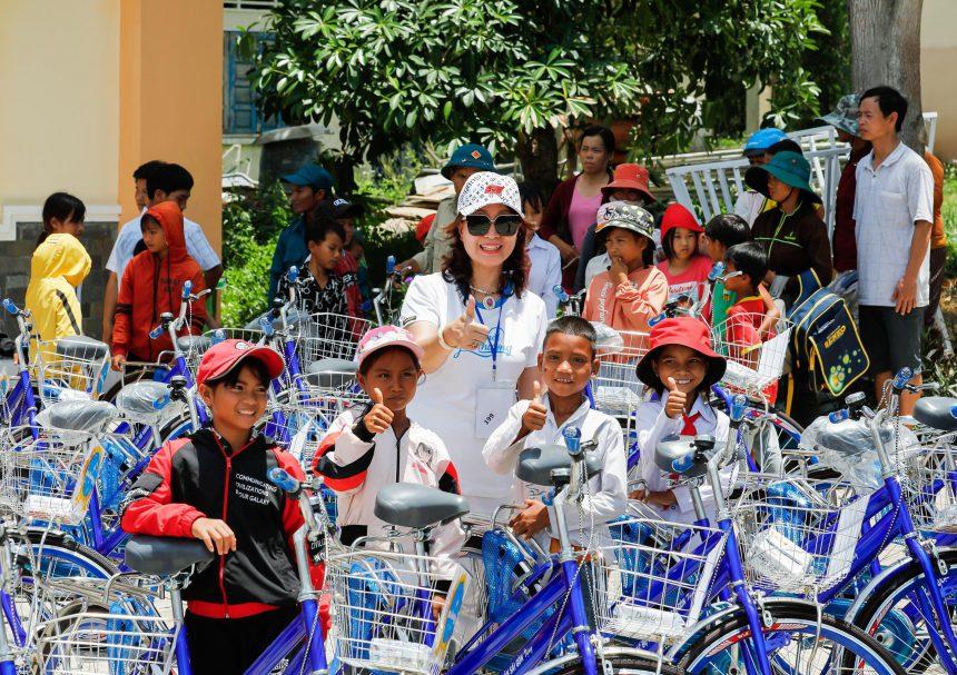"""CEO Làn Thu Thủy đồng hành cùng Caravan CLB Doanh nhân Sài Gòn 2020 với chủ đề """"Kết nối – Yêu thương"""""""